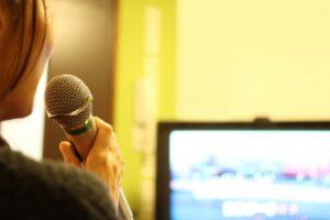 声優養成所で歌唱力も身に付けよう!