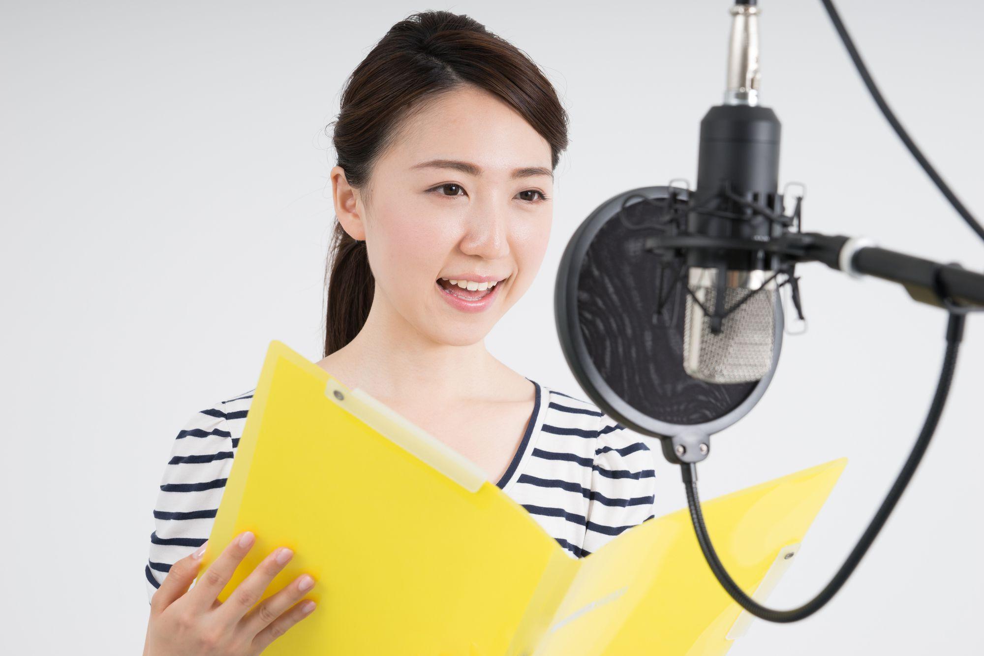 ナレーターを目指したい!東京の声優養成所で目指すことは可能?